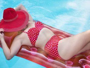 Žena v plavkách - jak se nestydět za své tělo